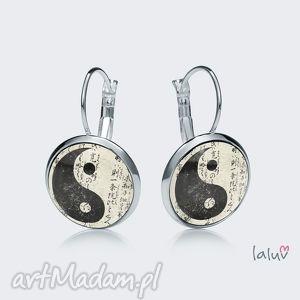 kolczyki wiszące yin yang, harmonia, spokój, pokój, grafika, buddyzm, symbol