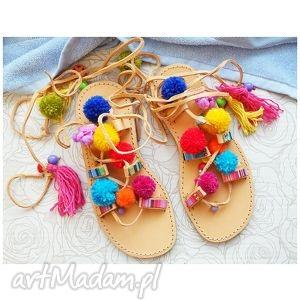 ręcznie robione buty 36 - sandały rzymianki z pomponami w stylu boho