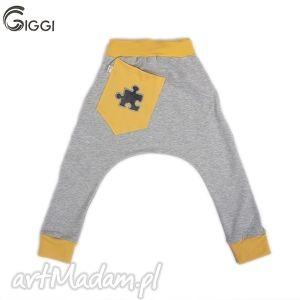 szare spodnie z żółtymi wstawkami - puzzel r 116-158 - spodnie, puzzel