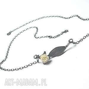 CREME ROSE - naszyjnik, srebro, koral, delikatny, romantyczny