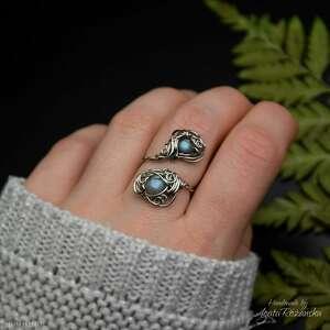 pierścionek regulowany błękitny labradoryt, stal chirurgiczna wire wrapping