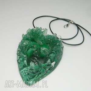 zielona twarz-N47, wisior, wisior-żywica, unikatowa-biżuteria, zielony-wisior
