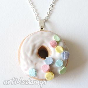 wyjątkowy prezent, pączek na szyję, kawaii, pączek, donut, modelina, fimo, miniatura