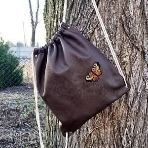 Skórzany worek plecak z motylem, worek, plecak, skóra, vintage, motyl, surowy