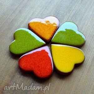handmade magnesy kolorowe serduszka magnesy