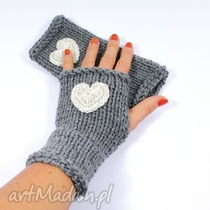 handmade rękawiczki szare z sercem