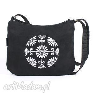 unikalny prezent, na ramię torebka z białym haftem, zamsz, haft, kula, wyszywany
