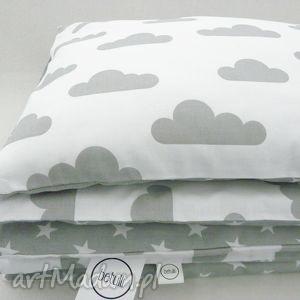 ręczne wykonanie pokoik dziecka 100x135 pościel biało-szara 100 % bawełna chmurki / gwiazdki
