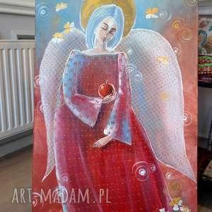 dom anioł z jabłkiem -2