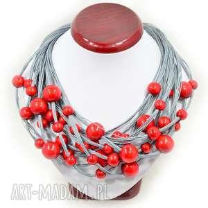 czerwień w szarym lnie naszyjnik lniany z drewnem, korale ze sznurka