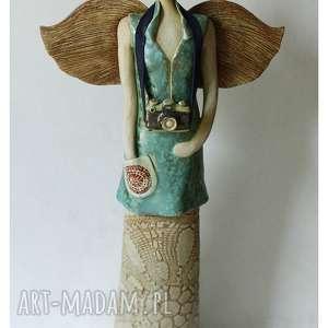 anielica z aparatem, ceramika, anioł, aparat