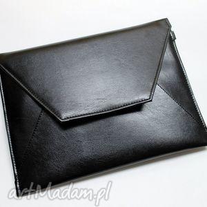 kopertówka - czarna z perłowym połyskiem, elegancka, wesele, prezent, wizytowa