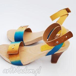 ręcznie wykonane buty drewniaki patynowana skóra