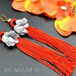 kolczyki z chwostem i kwiatkiem, koralikowe, kolczyki, eleganckie, wizytowe