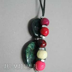 Prezent Wisior warstwowy, kolorowy, biżuteria, ceramika, wisior, rzemień, prezent