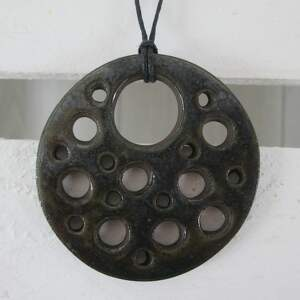 metaliczny wisior z dziurami, wisior, wisiorek, ceramiczny