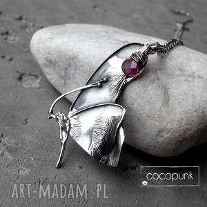 handmade naszyjniki naszyjnik z motylem i turmalinem