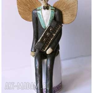 Anioł męski z keybordem, ceramika, anioł, keybord