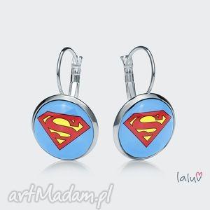 kolczyki wiszące superman, superbohater, peleryna, kryptonit, komiks, film