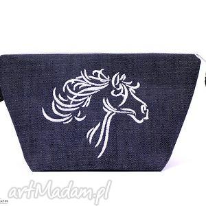Prezent wyszywany białt koń, haft, prezent, kobieta, jeans, wyszywana