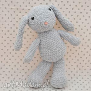 hand-made maskotki króliczek szaraczek - maskotka szydełkowa