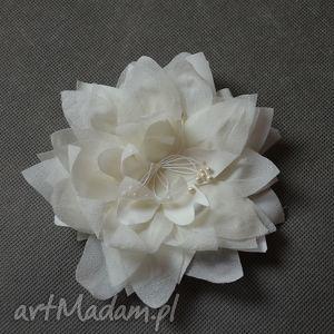 kwiat z jedwabiu, kwiat, jedwab, ecru, ślub