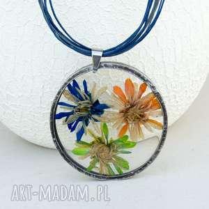 z53 naszyjnik z suszonymi kwiatami, herbarium jewelry, kwiaty w żywicy - naszyjnik z