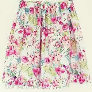 spódnica w egzotyczne kwiaty i kolibry, różowe kwiaty, tropikalne