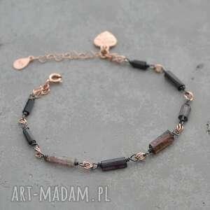 ręcznie robione turmalin w czarnym srebrze i różowym złocie. Bransoletka