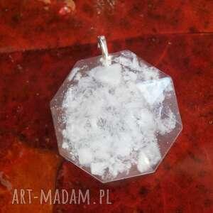 śniegowa zamieć - zawieszka z żywicy epoksydowej - ośmiokąt