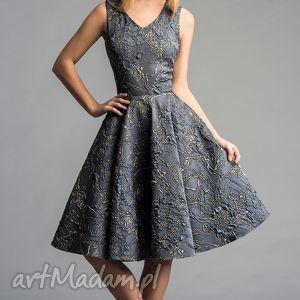 Sukienka GINA (Koło) Midi Ofelia, midi, tiul, rozkloszowana, błyszcząca, srebrna