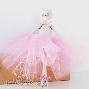 ręczne wykonanie lalki kot baletnica