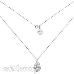 srebrny naszyjnik z ręką fatimy - minimalistyczny, modny, boho