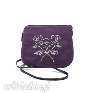 handmade mini mała wyszywana torebka damska fioletowa z ecru haftem