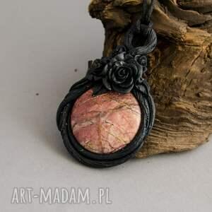 handmade wisiorki wisior z jaspisem w objęciach natury