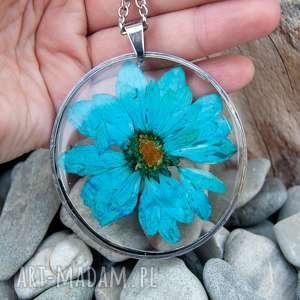 Prezent z39 Duży wisior z suszonym kwiatem w żywicy, naszyjnik-z-kwiatem