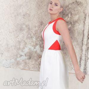 geometric play - sukienka z wstawkami, sukienka, koktajlowa, czerwień, ecru, bombka