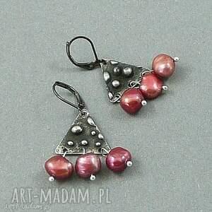 perły na trójkącie kolczyki śliczne - eleganckie, delikatne, ekskluzywne