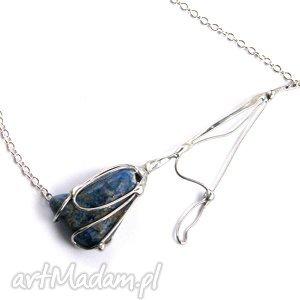 Naszyjnik: Kwiat z lapisem lazuli, kwiat, lapis, minerał, artystyczny