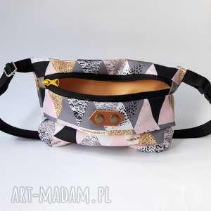 CATOO accessories. Torebka biodrowa Nerka Trojkaty