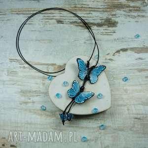 wisiorki długi, turkusowy wisior z motylami, wisior, motyle, fimo, modelina