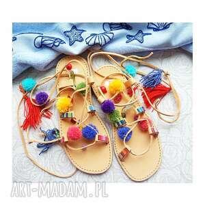 40- kolorowe rzymianki z pomponami w stylu boho, sandały, rzymianki, kolorowe, boho