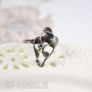 pierścionki fang - pierścionek z hematytem, pierścionek-prezent, miedź, z-hematytem