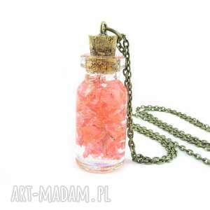 0914-mela/ wisiorek buteleczka z żywicą i kwiatami, wisiorek, butelka, kwiaty