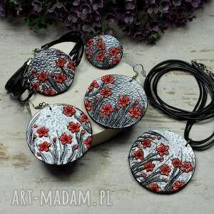 duży komplet biżuterii czerwone kwiaty
