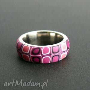 stalowa obrączka z polymer clay - obrączki, stal, różowy, geometryczne