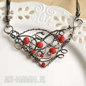 ręcznie robione naszyjniki red statement - naszyjnik w czerwieni z kryształkami
