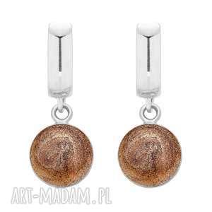 ręcznie wykonane kolczyki srebrne kolczyki z brązową żywicą