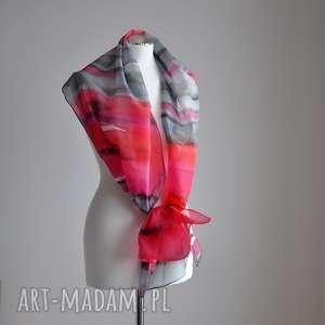 jedwabny szal - abstrakcja- czerwienie i szarości, szal, malowany
