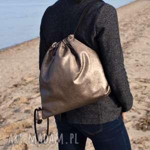 oliwkowy plecak z tłoczoną łuską, plecak, torba, torebka, prezent
